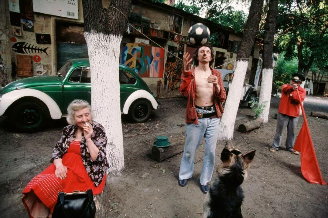 在后苏联时代的莫斯科狂欢